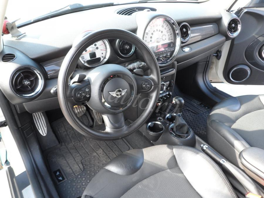 Mini-Cooper-S-Coupe-2012-017