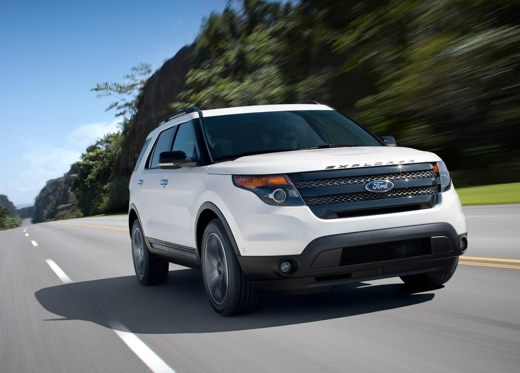 Ford Explorer Sport 2015 год